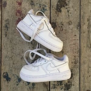NIKE AIRFORCE 1 shoes sz 6c